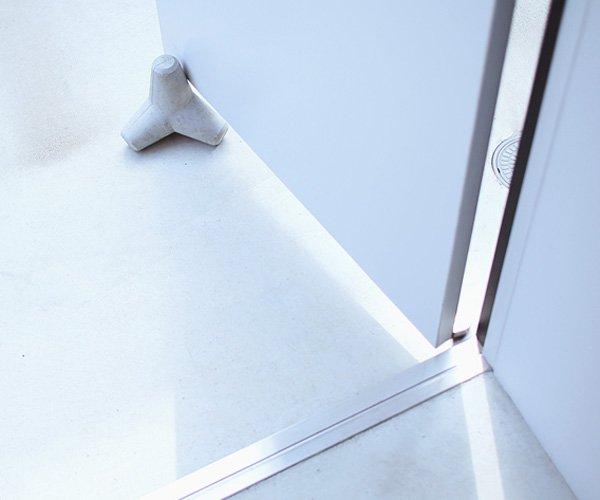 concrete_door_stopper-tetra-ulklik-1