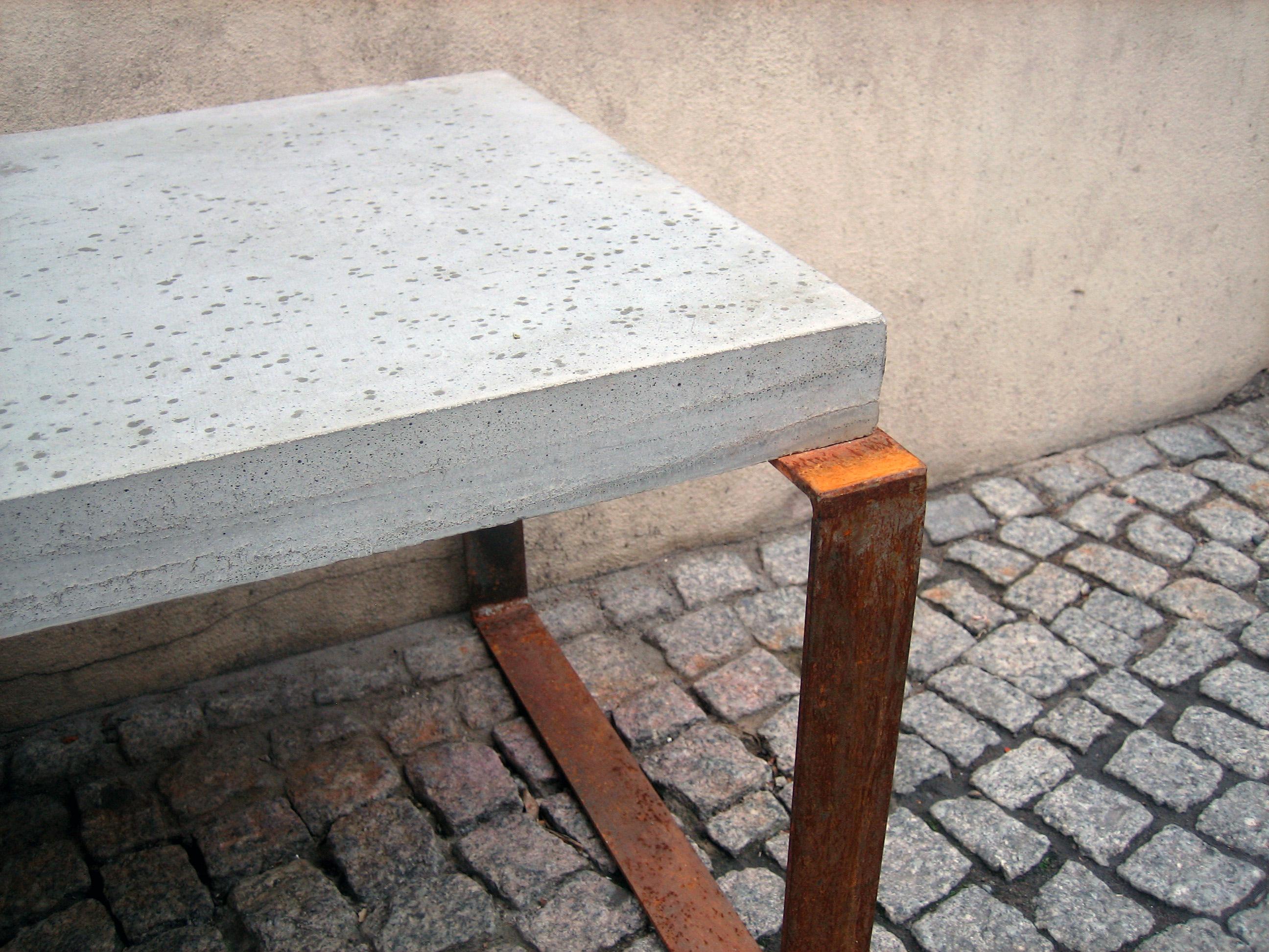 concrete-bench-berlin-1