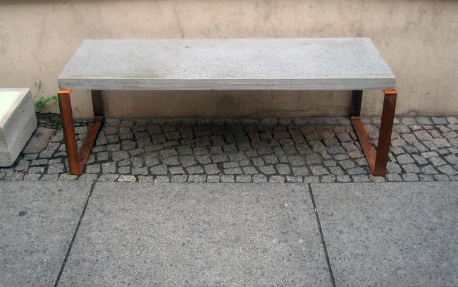 concrete-bench-berlin-2