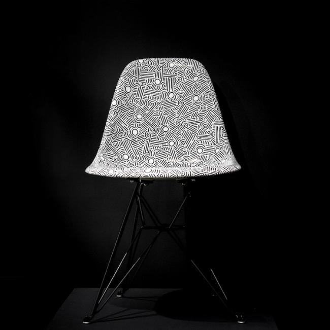aaron-de-la-cruz--modernica-fiberglass-eiffel-chair-soze-gallery-b