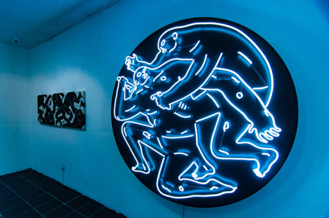 neon-light-installation-cleon-peterson-lisa-schulte-collaboration-3