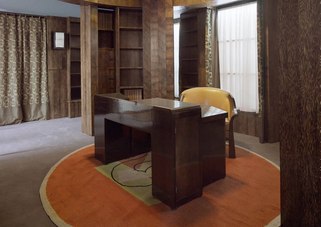 Pierre-Chareau-home-office-with-library-for-worlds-fair-1925